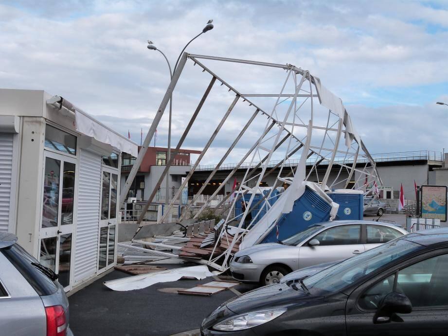 Un débarcadère s'est effondré durant la nuit.