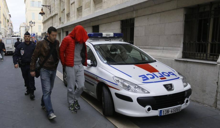 Plusieurs autres suspects dans l'affaire du bijoutier de Nice ont été déférés devant le parquet.