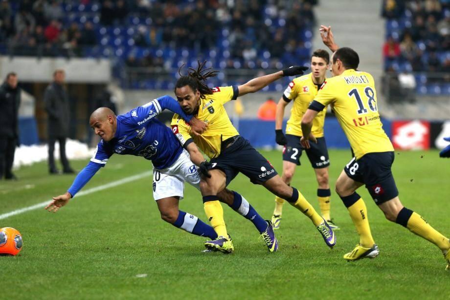Au terme d'une rencontre fermée, le Sporting a souffert pour ramener le nul du Stade Bonnal.