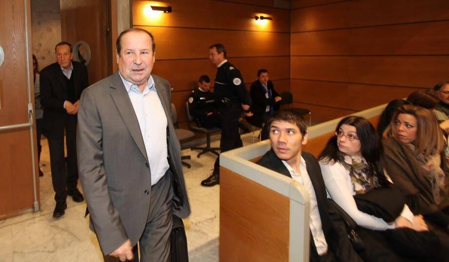 Le maire UMP de Fréjus, Elie Brun, à son arrivée au tribunal de Draguignan