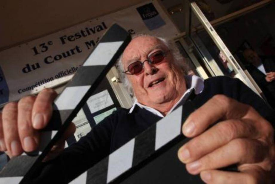 Le cinéaste Georges Lautner, décédé vendredi à Neuilly, sera inhumé samedi à Nice, sa ville natale.