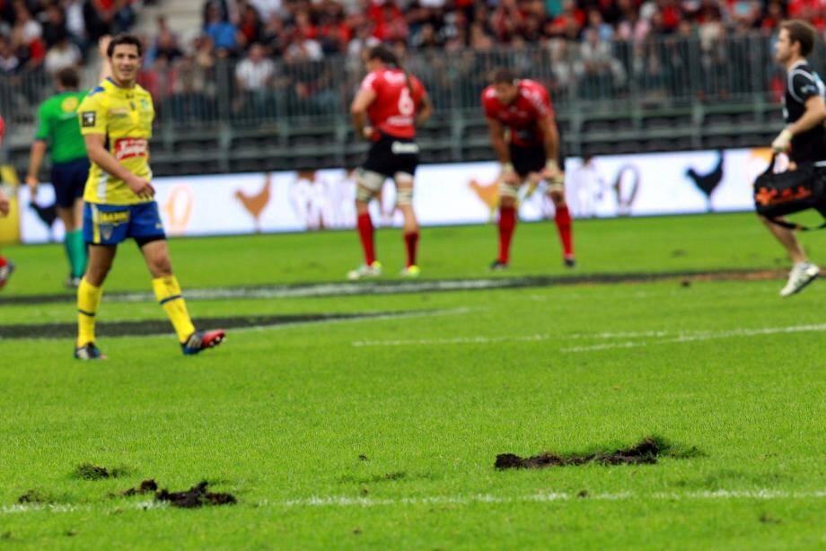 """Le match RCT-Clermont sur la jeune pelouse de l'Allianz Riviera: """"un couac"""" pour Claude Puel..."""