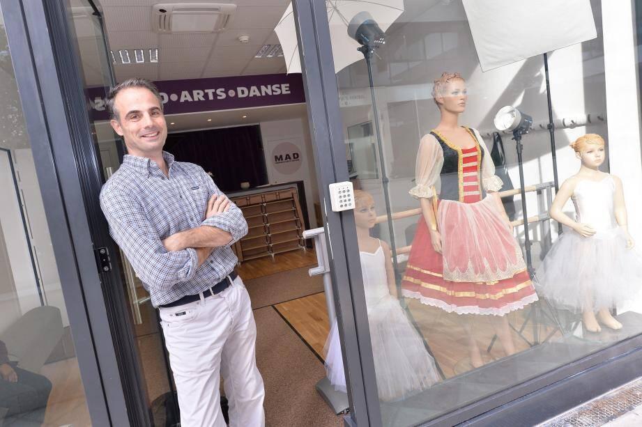 Stéphane Lobono a quitté en juin ses locaux de Danse Plus pour ouvrir 220 m2 qui accueillent, depuis lundi, les amateurs de danse, aux Jardins d'Apolline.