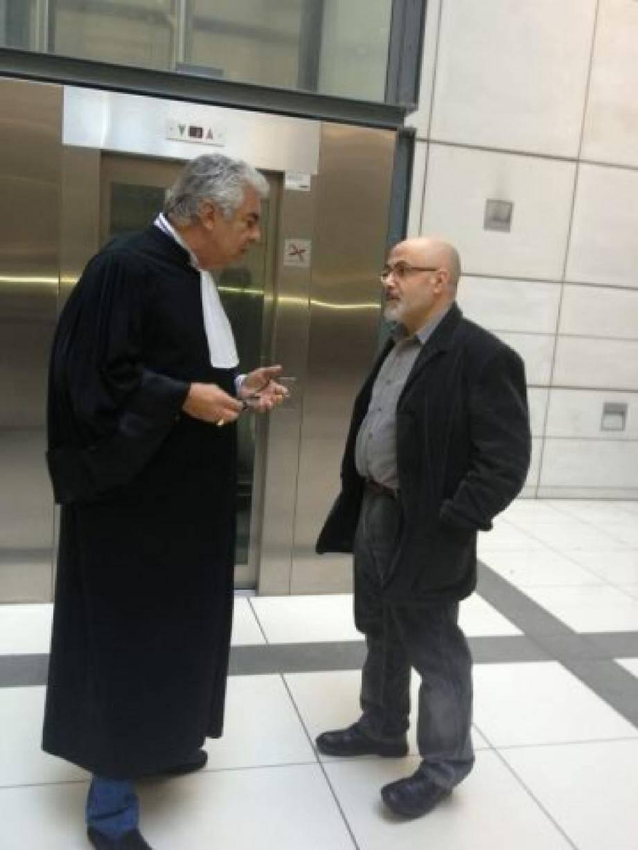 Habib Ben Amor, le père de la victime en discussion avec son avocat Me Charbit.