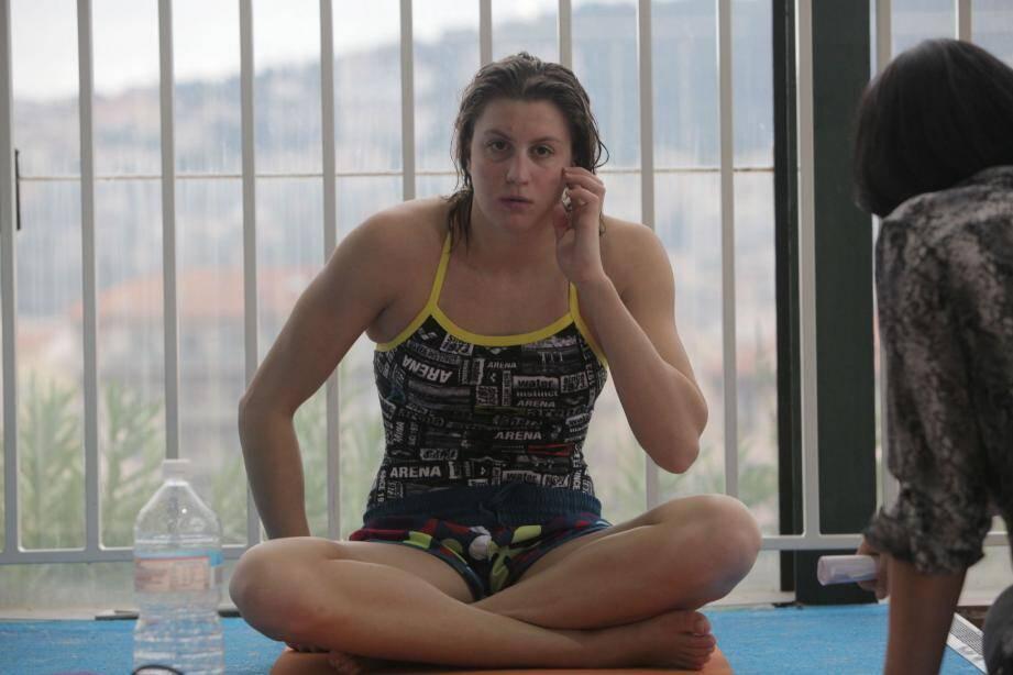 La nageuse niçoise, Charlotte Bonnet, a été titrée vice-championne d'Europe du 200 NL derrière l'Italienne Federica Pellegrini.