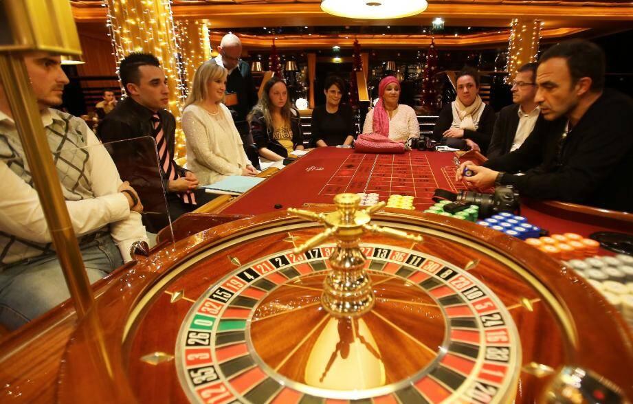 C'est dans l'enceinte du casino des Princes du groupe Barrière que nos lectrices et lecteurs ont eu le plaisir de poser à Nikos Aliagas toutes les questions qu'ils souhaitaient.