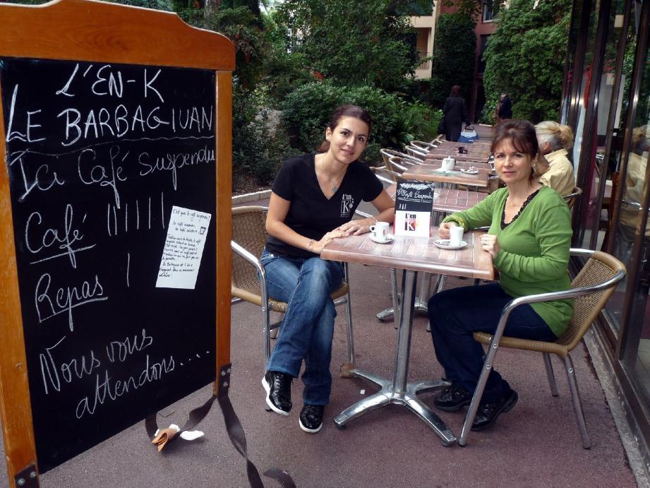 Chloé Maniloff Carpinelli, de l'En-K et Katia Carpinelli du Barbagiuan sont engagées dans la démarche solidaire du « Café suspendu ».