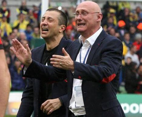 Mourad Boudjellal et Bernard Laporte après la victoire historique du RCT en H-Cup