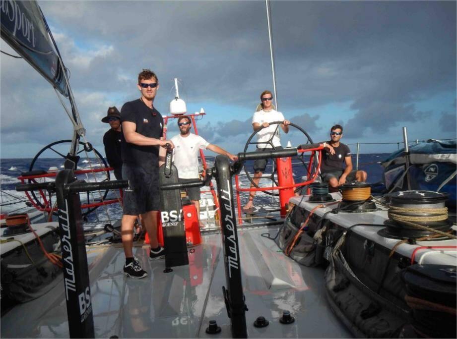 À bord du voilier, Pierre Casiraghi (à la barre sur la photo) représentait le Yacht-Club de Monaco.