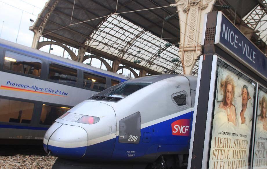 Illustration Train TER Gare