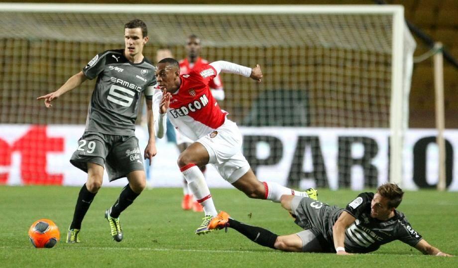 Contre Rennes, Martial a étalé ses qualités de vitesse en se faufilant entre Danzé et Konradsen.