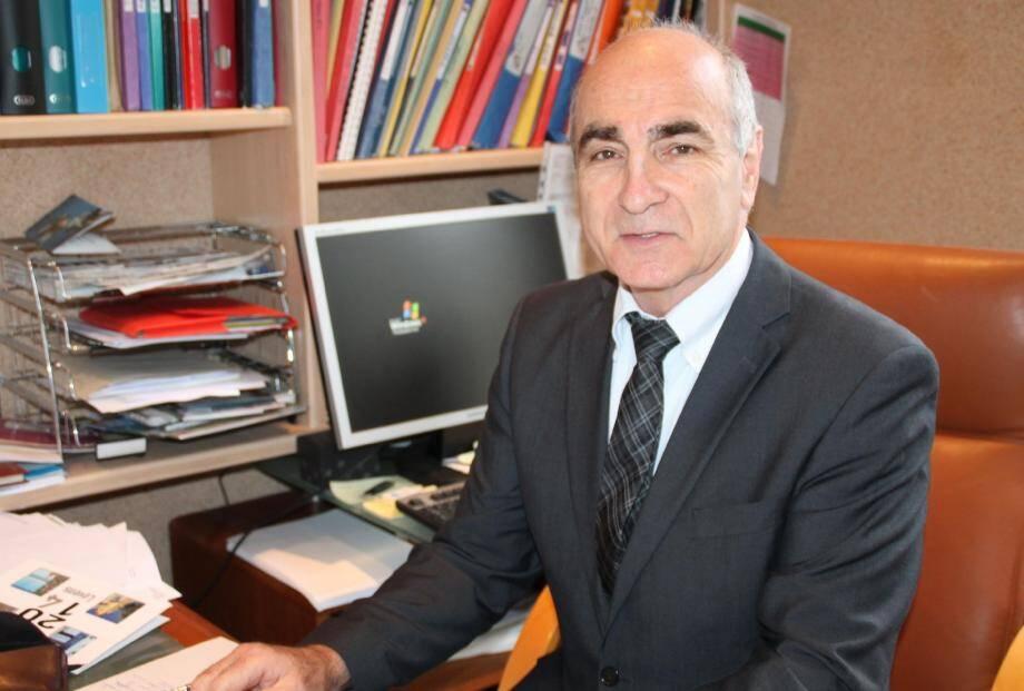 Richard Ribéro, élu en 2001 adjoint au maire, a été élu maire en 2008.
