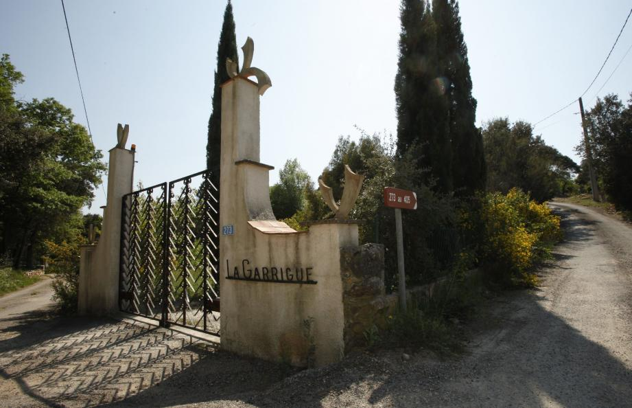 """Colette Deromme avait 50 ans le jour de sa disparition. Sa voiture avait été retrouvée devant sa villa """" La Garrigue """", à Lorgues."""