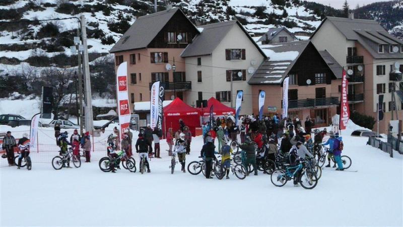 """Le """"Ice Tour Nice-Matin"""" va surchauffer jusqu'à dimanche soir encore le front de neige de Roubion"""