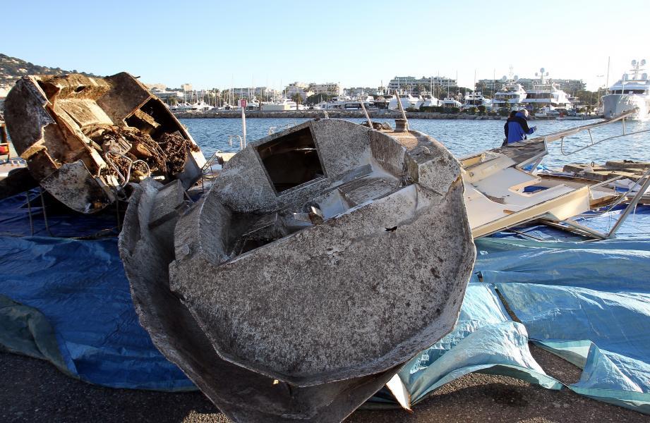 Épaves et corps-morts dus à des mouillages complètement illégaux jonchaient les fonds de zones protégées au nord de Sainte-Marguerite, sur le site protégé Natura 2000.