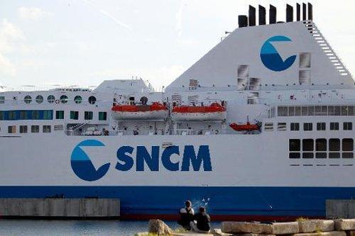 Un navire de la compagnie SNCM dans le port d'Ajaccio.