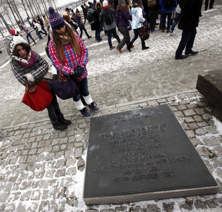 Jeudi 30 janvier, 160 élèves de neuf collèges du département des Alpes-Maritimes ont décollé pour un aller-retour à Auschwitz.