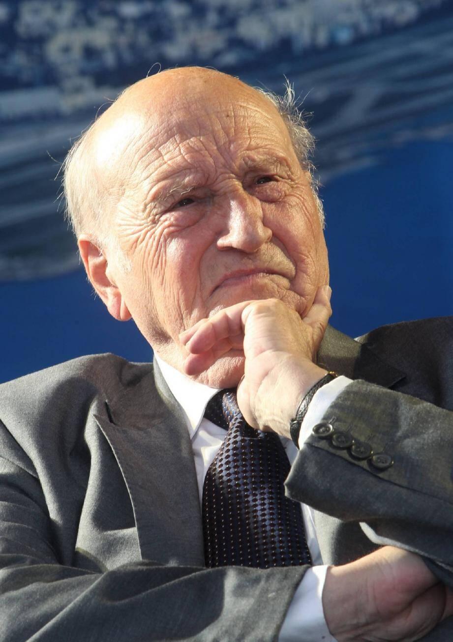 Le maire de Tourrette-Levens, l'UMP Alain Frère est conseiller général depuis 1989.