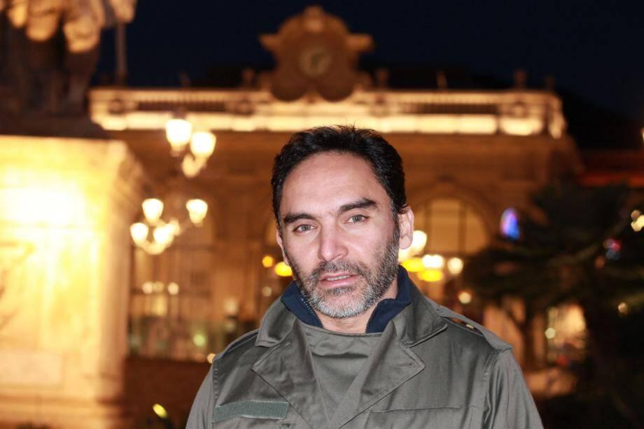Accueilli et attendu sur toutes les scènes et clubs de DubaÏ, Saint-Pétersbourg, Marrakech... Akram est un globe-trotteur toujours prêt à de nouvelles collaborations ou expériences musicales.