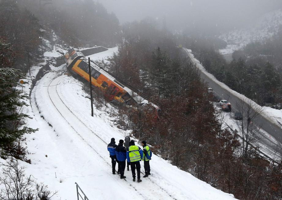 Le train des Pignes déraille à Annot : les im - 24307237.jpg