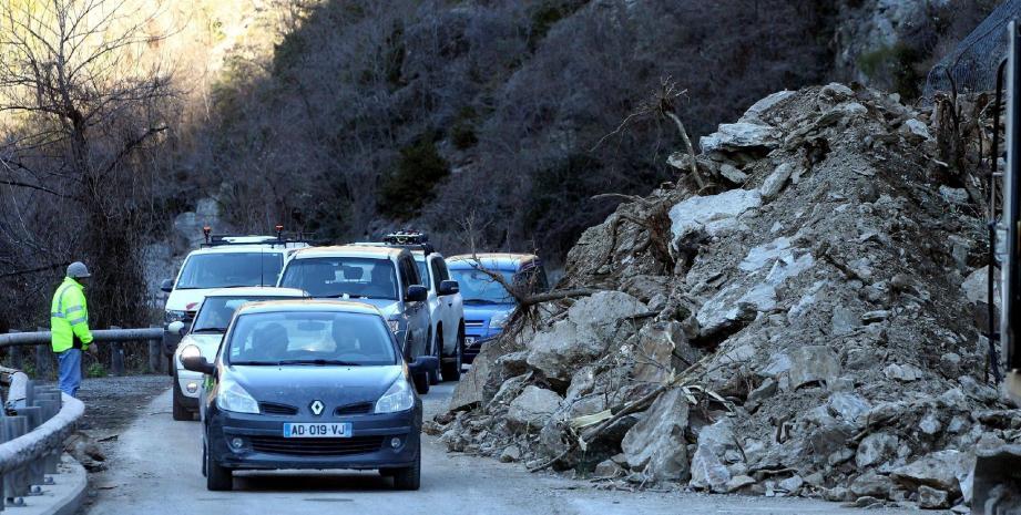Après les nombreux éboulements et coupures de routes de ces derniers jours, l'état des routes si vous comptez rejoindre les stations de ski des Alpes du Sud ce week-end.