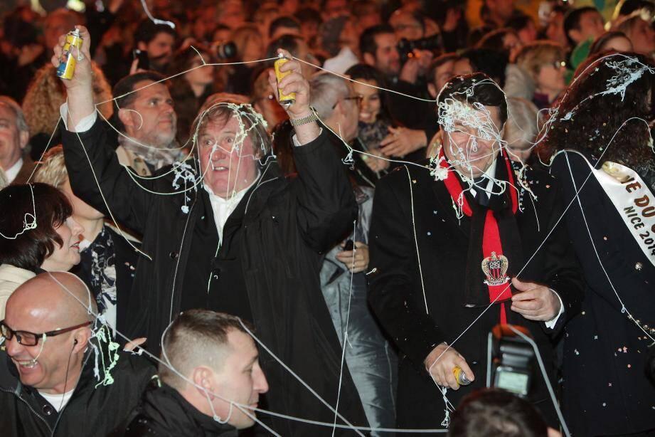 Pouces en l'air ou bombes à serpentins en mains, « Gégé » s'est éclaté comme un gamin en ouverture du carnaval.