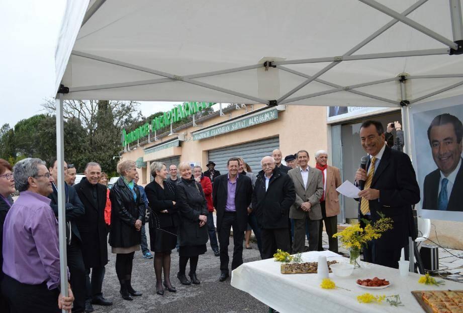 Une ambiance décontractée pour l'inauguration de la permanence de François Balazun