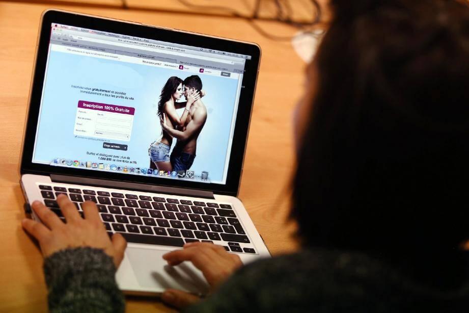 « J'enchaîne les aventures sur le Net et si l'un fait mine de s'attacher, je pars en courant ! » , témoigne Rachel.