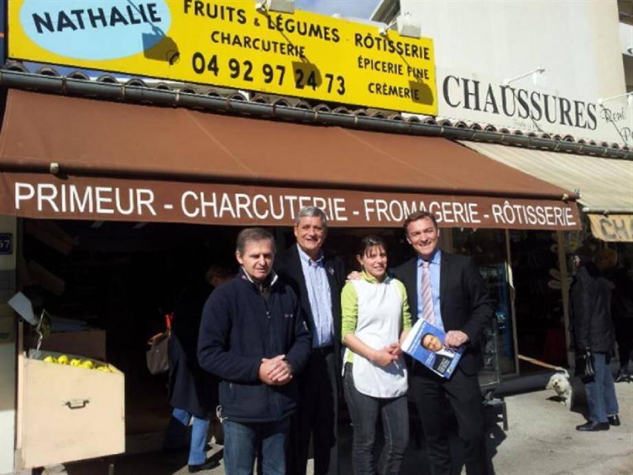 Pierre et Nathalie Bellon en compagnie du candidat Desens et de son futur adjoint à l'économie, Bernard David.
