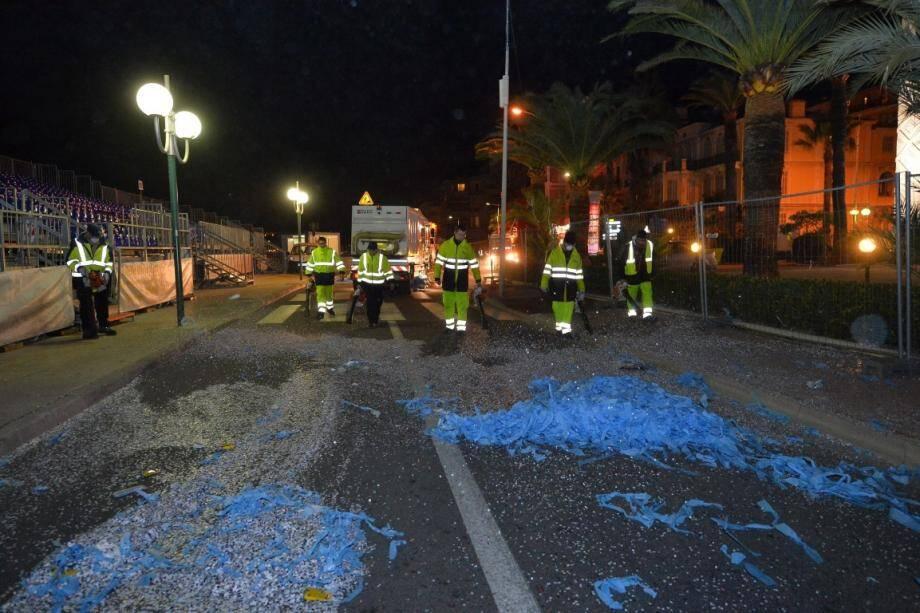nettoyage menton rues de la ville après corso fete citrons 140228