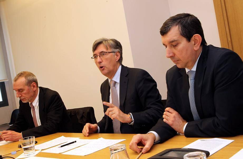 Bernard Pasquier, Jean-Louis Grinda et Jean-François Robillon, hier après-midi, en conférence de presse au Conseil national.