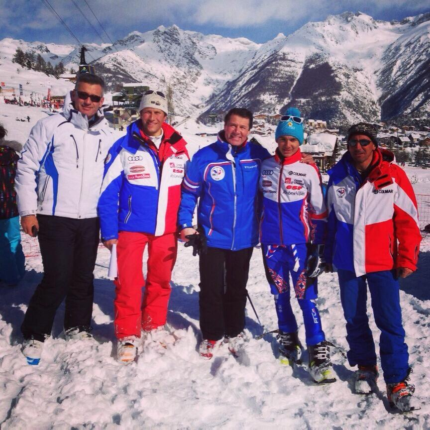 Estrosi au ski illuystr champion reseaux sociaux 140217