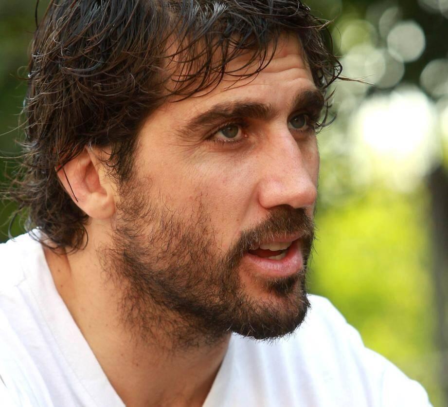 RCT : Fernandez Lobbe prolonge
