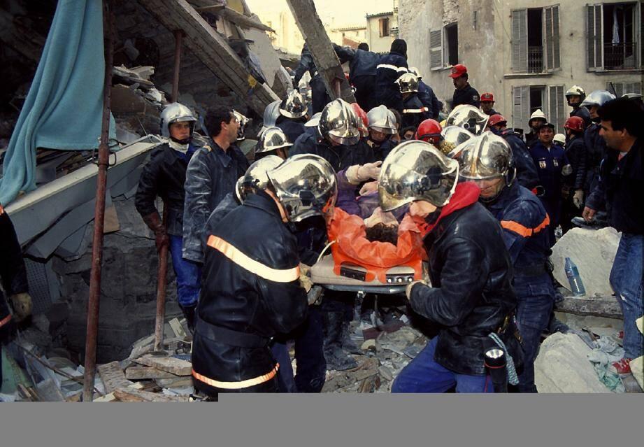 Le dernier survivant de l'immeuble sera trouvé près de dix heures après l'explosion.