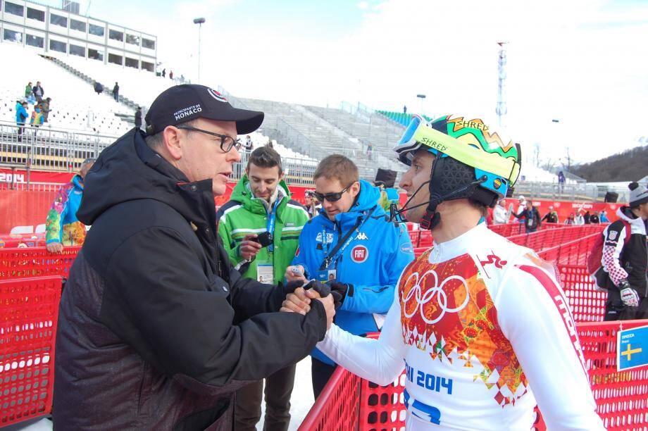 Le prince Albert a félicité Olivier Jenot à l'arrivée du slalom.