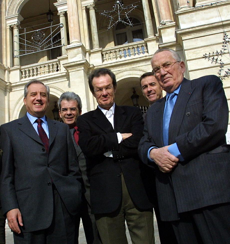 De gauche à droite et au premier plan : Jean-Charles Marchiani, Jean-Paul Kauffman et Marcel Carton.