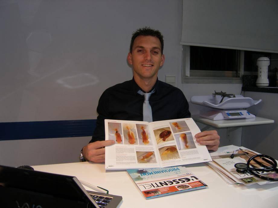Marc Leclerc a été ému par l'attachement du propriétaire pour son poisson rouge. Les photos de l'opération de l'animal ont même été publiées dans une revue spécialisée.