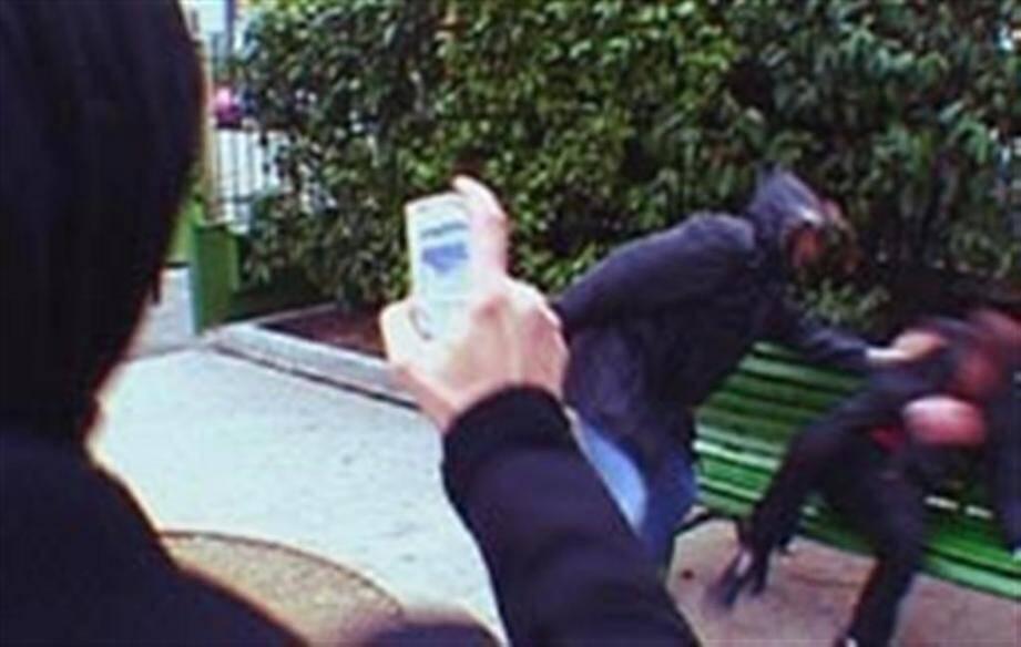 Les jeunes filmaient parfois leurs agressions avant de les diffuser sur les réseaux sociaux.