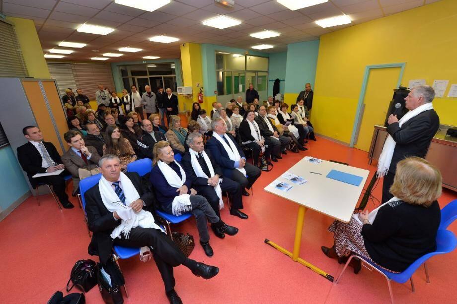 Alain Garelli aux côtés de Patricia Gotrand, jeudi soir, à l'école Paul-Doumer, au tout début de son intervention.