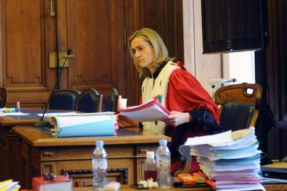 Le réquisitoire de l'avocate générale Me Caillibotte a été interrompu par Me Eric Dupond- Moretti, ce qui a engendré une suspension d'audience.