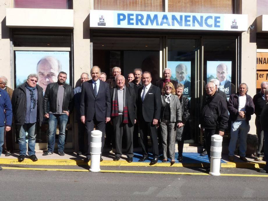 Outre des Théouliens, étaient présents à l'inauguration de la permanence du maire sortant, des maires de la communauté d'agglomération des Pays de Lérins : Bernard Brochand son président, ainsi que les vice-présidents Richard Galy et, arrivé un peu plus tard Henri Leroy.