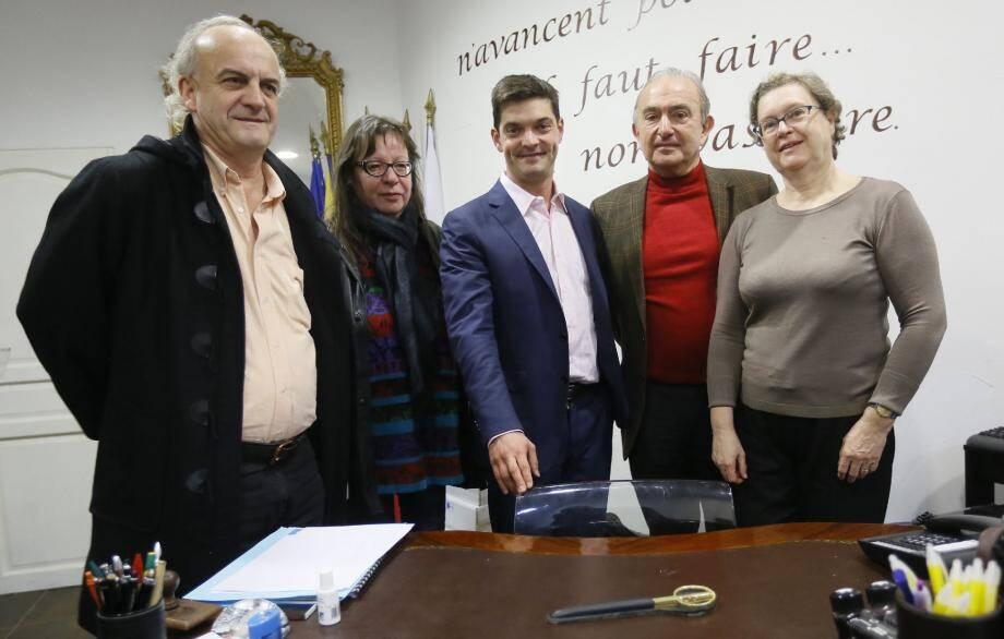 Jérôme Viaud (UMP) a reçu le soutien du Mouvement hommes animaux nature, présidé par Jacques Leboucher (pull rouge)