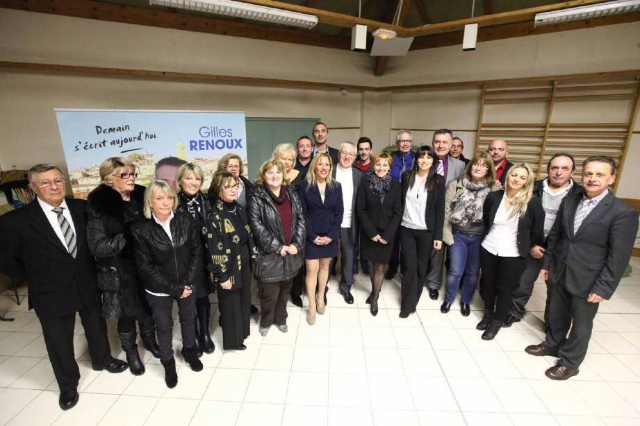 Gilles Renoux, candidat à l'élection municipale à Gattières, a présenté ses colistiers à l'école de la Bastide.