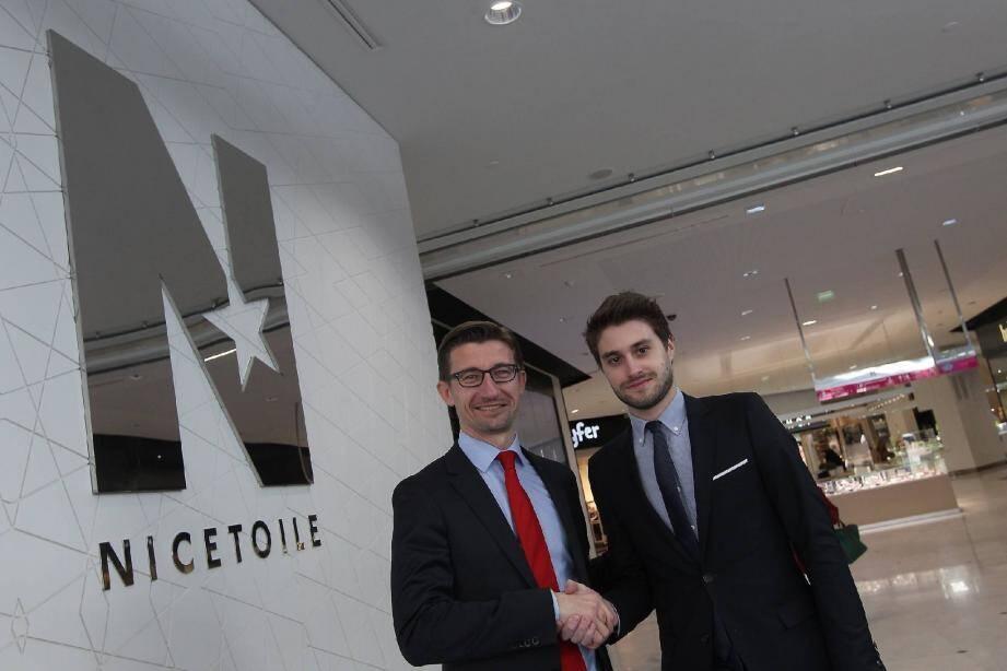 Sébastien Mercier (à gauche) et Vincent Logerot : passation de pouvoirs sur fond de lettre « N » comme Nice Etoile et comme nouveautés à stimuler sans cesse.