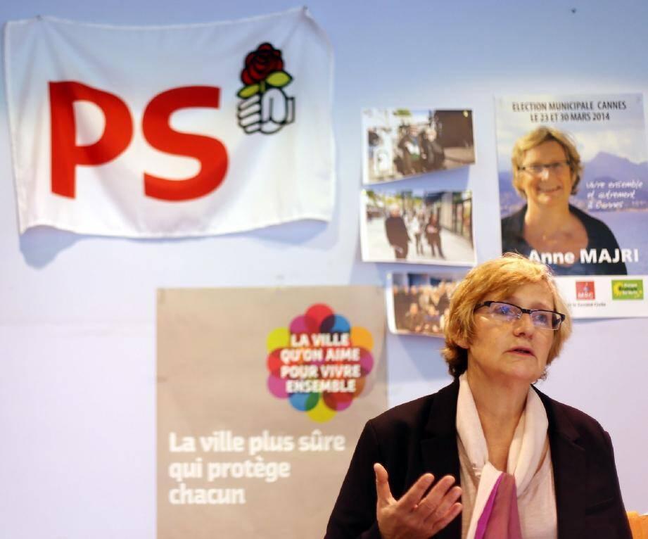 Anne Majri à sa permanence de campagne du 10 avenue Michel-Jourdan à la Bocca.