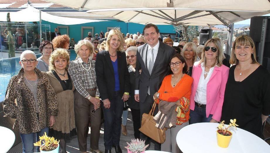Quatre-vingts femmes ont rejoint Philippe Tabarot sur la terrasse du «Five» hier midi.
