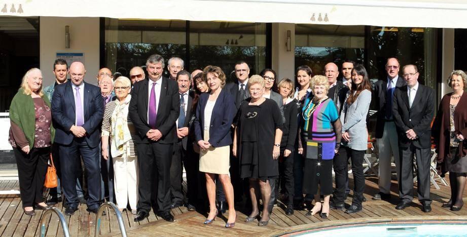 Les principaux colistiers de Lydia Schénardi étaient réunis hier à l'hôtel Napoléon.