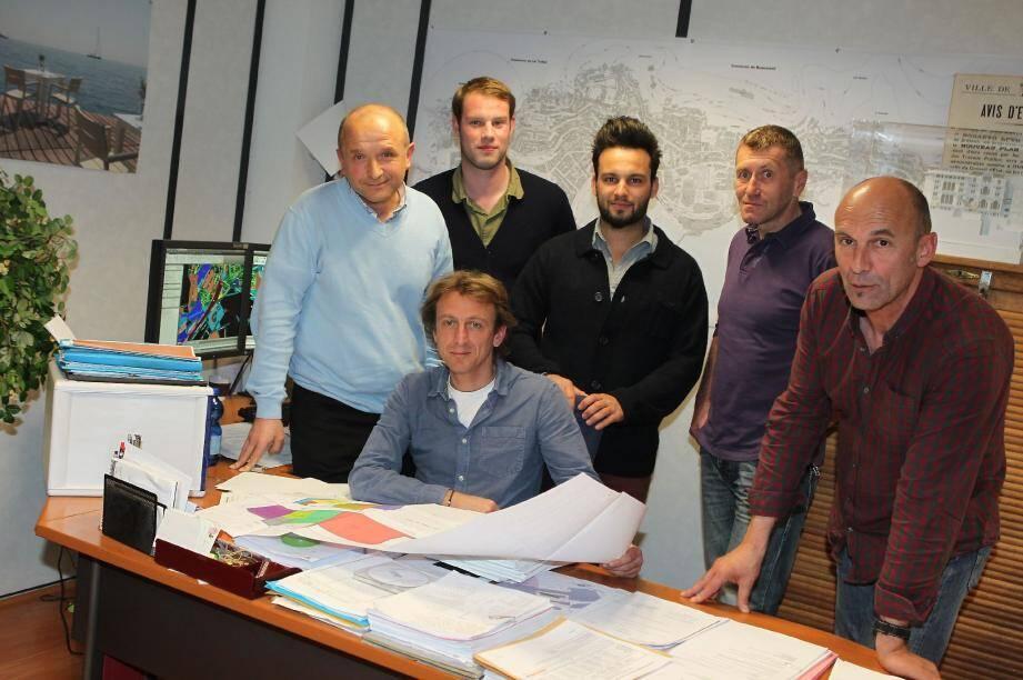 Jean-Louis Benazzi chapeaute une équipe de cinq personnes à la division de l'information géographique.