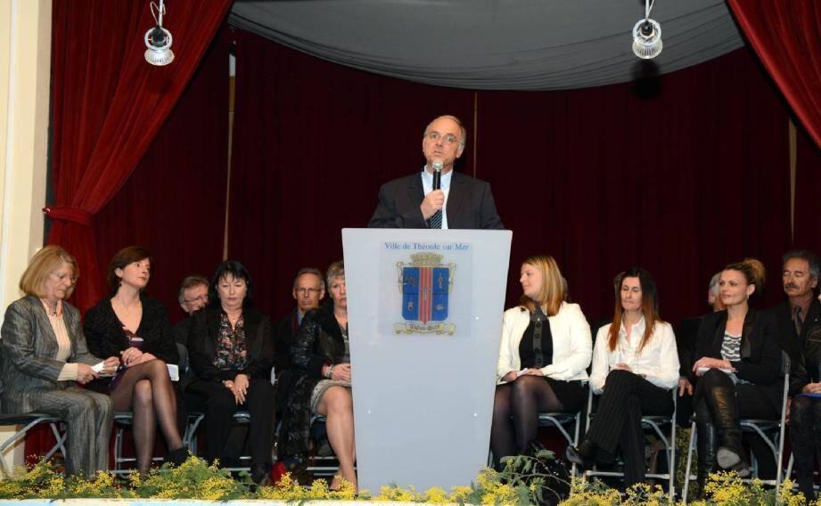 Daniel Mansanti a présenté un par un ses 18 colistiers. Il a souhaité que la campagne électorale soit « digne, sans rumeur, sans démagogie ».