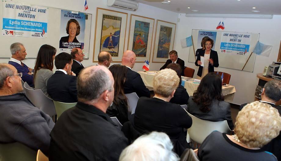 Lydia Schénardi et ses colistiers ont évoqué le programme lors d'une réunion à l'hôtel Napoléon.